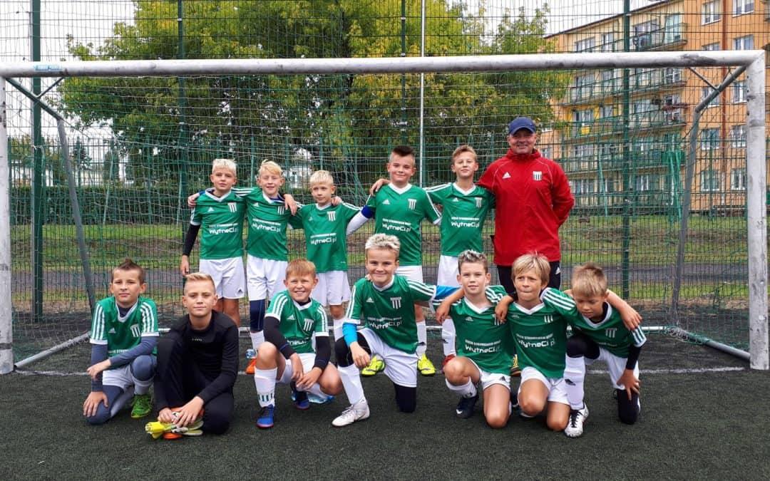 Awans młodych piłkarzy!