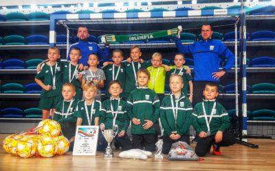 Młodzi piłkarze na turniejach halowych!