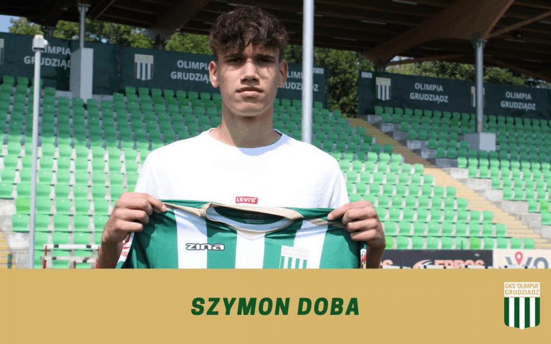 Szymon Doba z profesjonalnym kontraktem.
